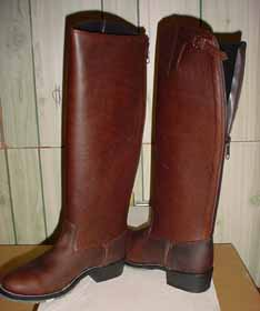 FB-buckles/fbboots2006/am10zip.jpeg
